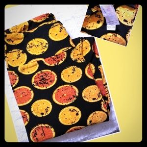 NWOT OS LLR Citrus Leggings